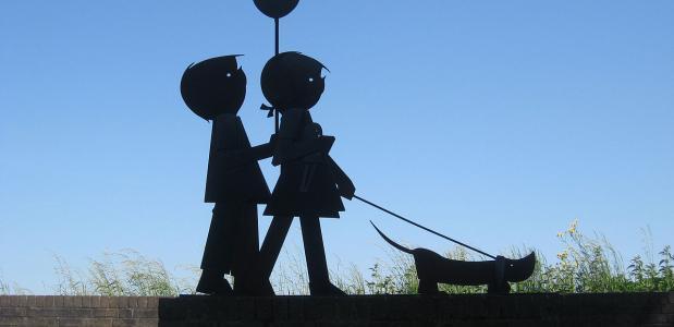 Jip en Janneke Door Polleket [CC BY-SA 3.0], via Wikimedia Commons