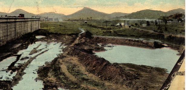 Eerste schip panamakanaal