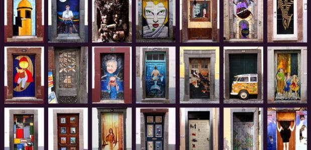 Beschilderde deuren in de oude wijk van Funchal. Bron: Wikimedia Commons.