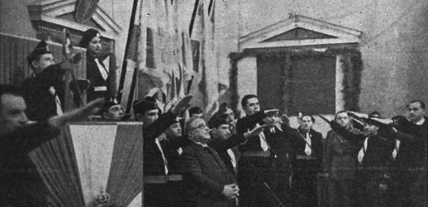 Leden van de Griekse Nationale Jeugd Organisatie (EON) groeten Ioannis Metaxas, 1938. Bron: Wikimedia Commons.