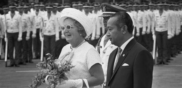 Hoe heeft de relatie tussen Nederland en Indonesië zich ontwikkeld?