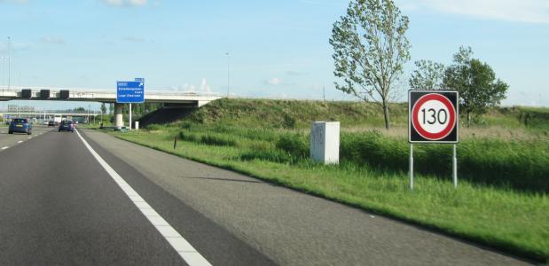Nederlandse snelweg met een maximunsnelheid van 130 kilometer per uur.