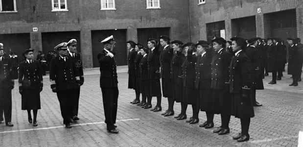 geschiedenis vrouwen in het Nederlandse leger