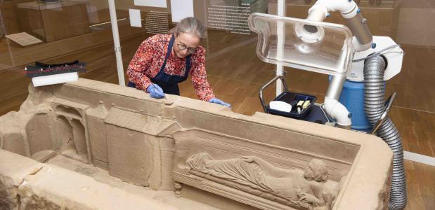 restauratie romeinse sarcofaag RMO