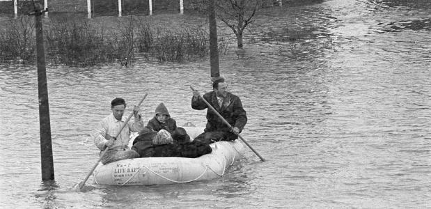 Dijkdoorbbraak Tuindorp 1960
