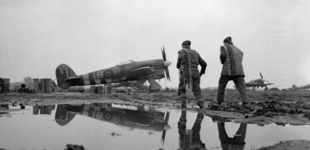 Hawker Typhoon 1944