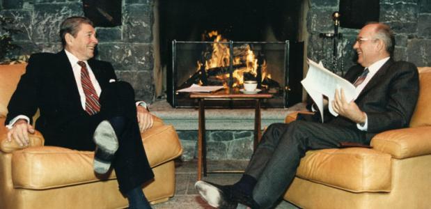 Ronald Reagan en Mikhail Gorbachov bij de Genève-top van 1985