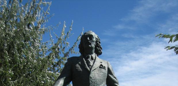 Standbeeld van Salvador Dali in Cadaqués, Spanje