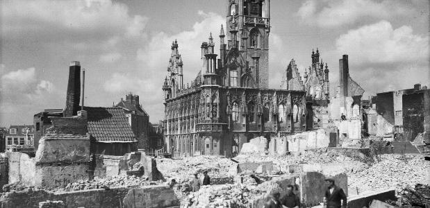 De strijd in Zeeland Bombardement Middelburg