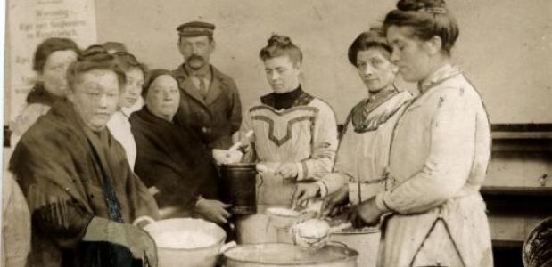 Gaarkeuken in Rotterdam, 1917. Bron: Nationaal Archief Anefo.