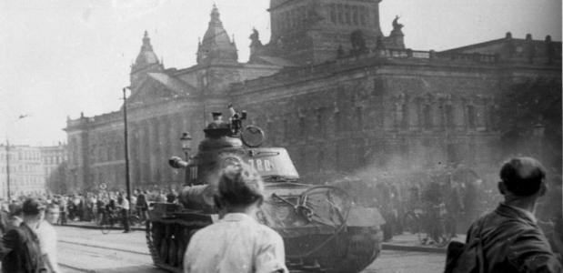 opstand in de ddr Bundesarchiv, Bild 175-14676 via: commons.wikimedia.org