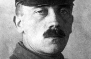 De Duitse dictator Adolf Hitler stond bekend om zijn grote interesse voor kunst. Hij maakte vele schilderijen.