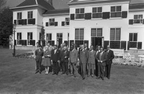 De eerste Ministerraadsvergadering van kabinet Den Uyl op het Catshuis, 1973. Bron: Nationaal Archief Anefo [2.24.01.05].