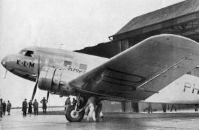 "KLM Royal dutch airlines PH-AJU ""de Uiver"", via WIkimedia Commons"