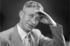 Han Hollander, de eerste verslaggever van een rechtstreeks voetbalverslag op de radio