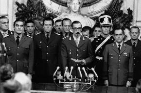 De presidentiële eed van Jorge Rafael Videla op 29 maart 1976