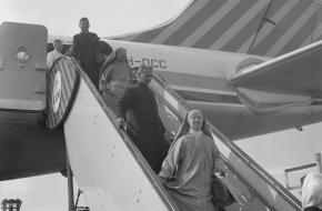 Eerste burgervlucht Jakarta-Amsterdam
