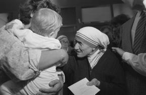 Wie is Moeder Teresa