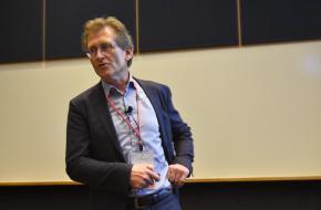 De Groningse hoogleraar Ben Feringa kreeg in 2016 de Nobelprijs voor de Scheikunde uitgereikt.