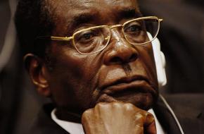 De 93-jarige Mugabe regeert al sinds 1980 over Zimbabwe.