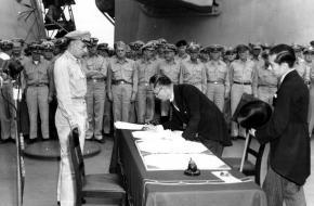 Capitulatie van Japan aan boord van USS Missouri