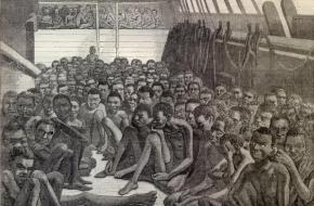 Een tekening van slavenschip, onderweg naar Amerika. Bron: Wikimedia Commons.