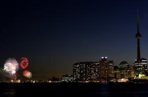 Vuurwerk tijdens de viering van Victoria Day in Toronto