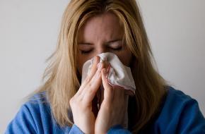 Waarom roepen we gezondheid als iemand niest?
