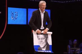 Prof. dr. Doeko Bosscher, hoogleraar Eigentijdse Geschiedenis aan de Rijksuniversiteit Groningen.