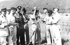 Officieren uit 12 landen bij het Ijzeren Gordijn (1960)