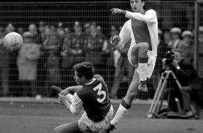 Ron Kroon (Anefo), Cruijff in 1967 tegen Feyenoord