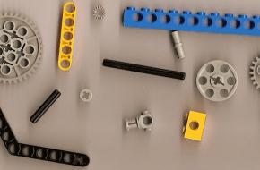 Wikipedia.org: Lego technic